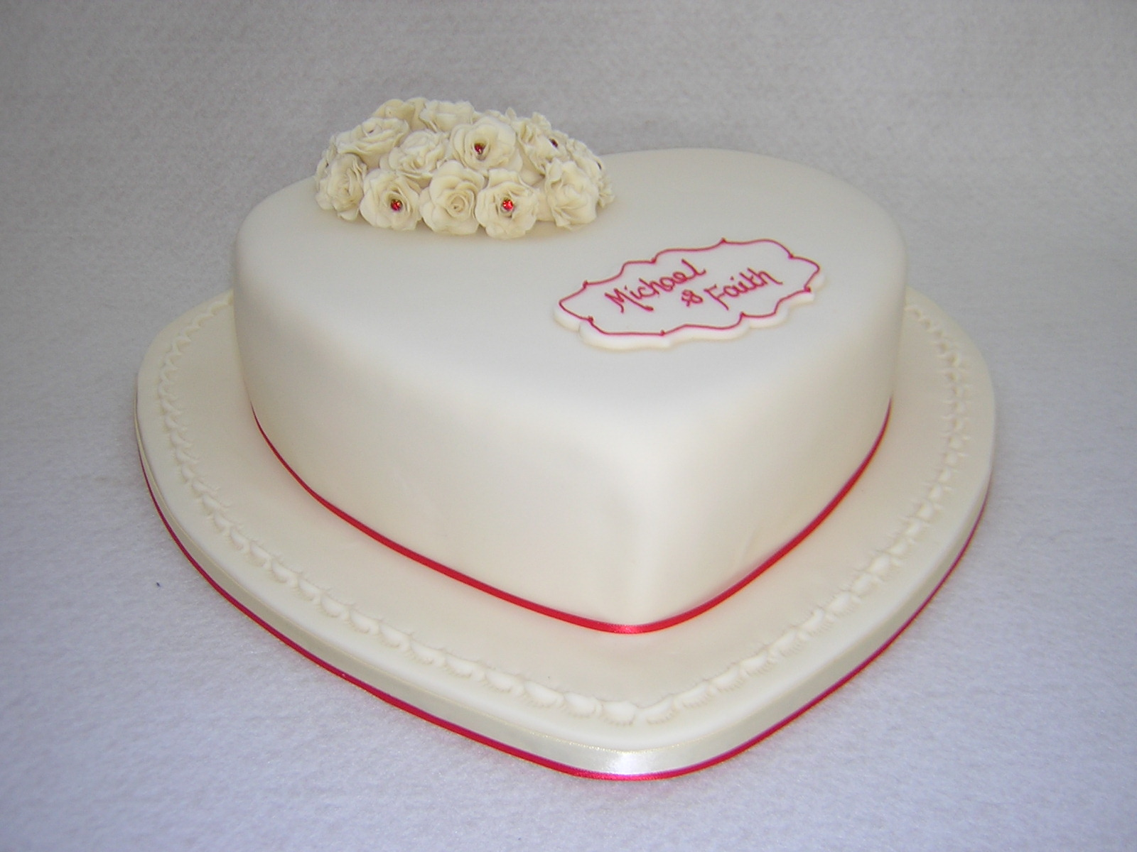 Heart Shaped Anniversary Cake Images : Anniversary Cakes - Julie s Creative CakesJulie s Creative ...