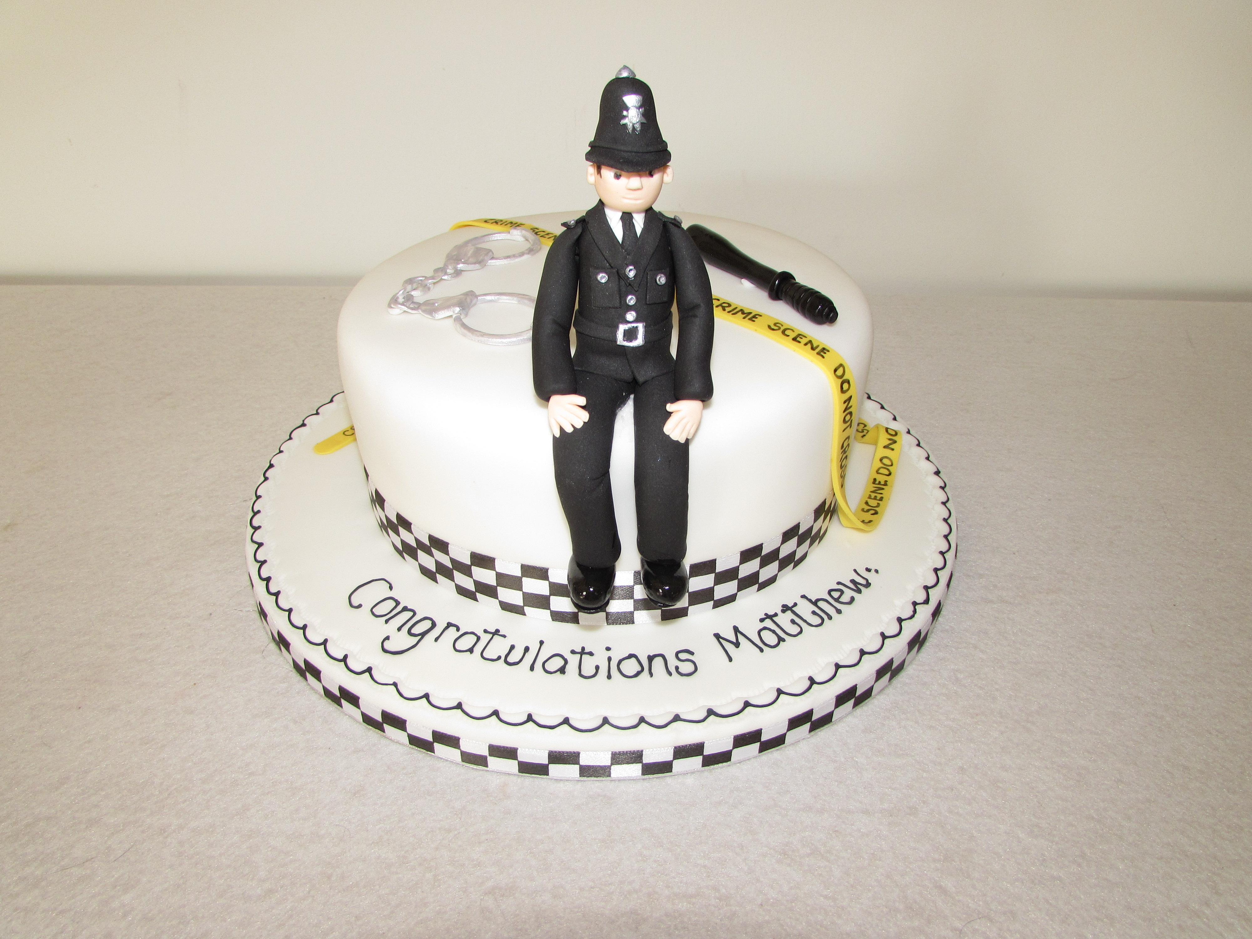 Policeman Cake Design : Policeman In Cake Ideas and Designs