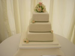 3-tier-dotty-with-fresh-flowers