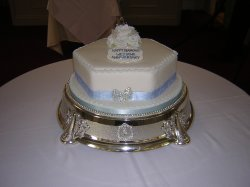 blue-hexagon-diamond-wedding-anniversary-cake