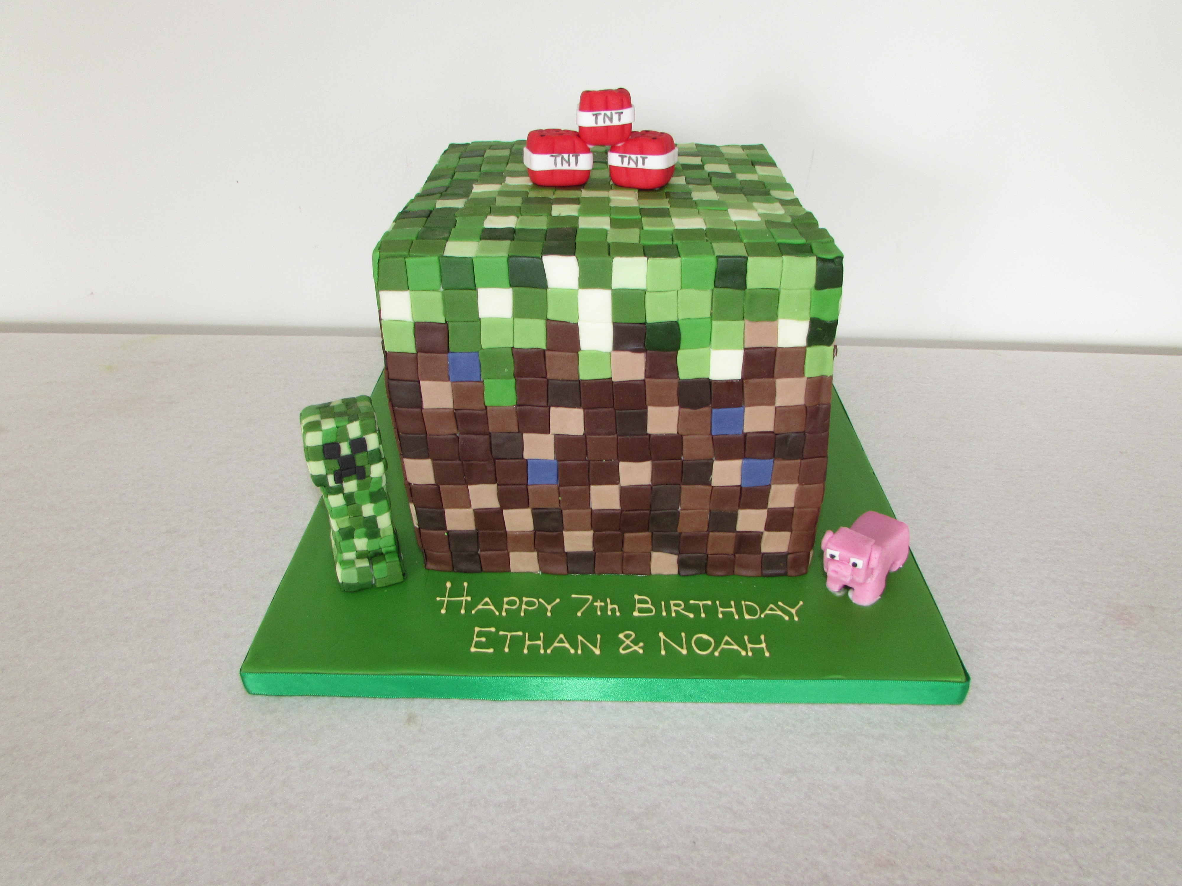 Minecraft cake for twins