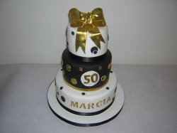 3-tier-black-gold