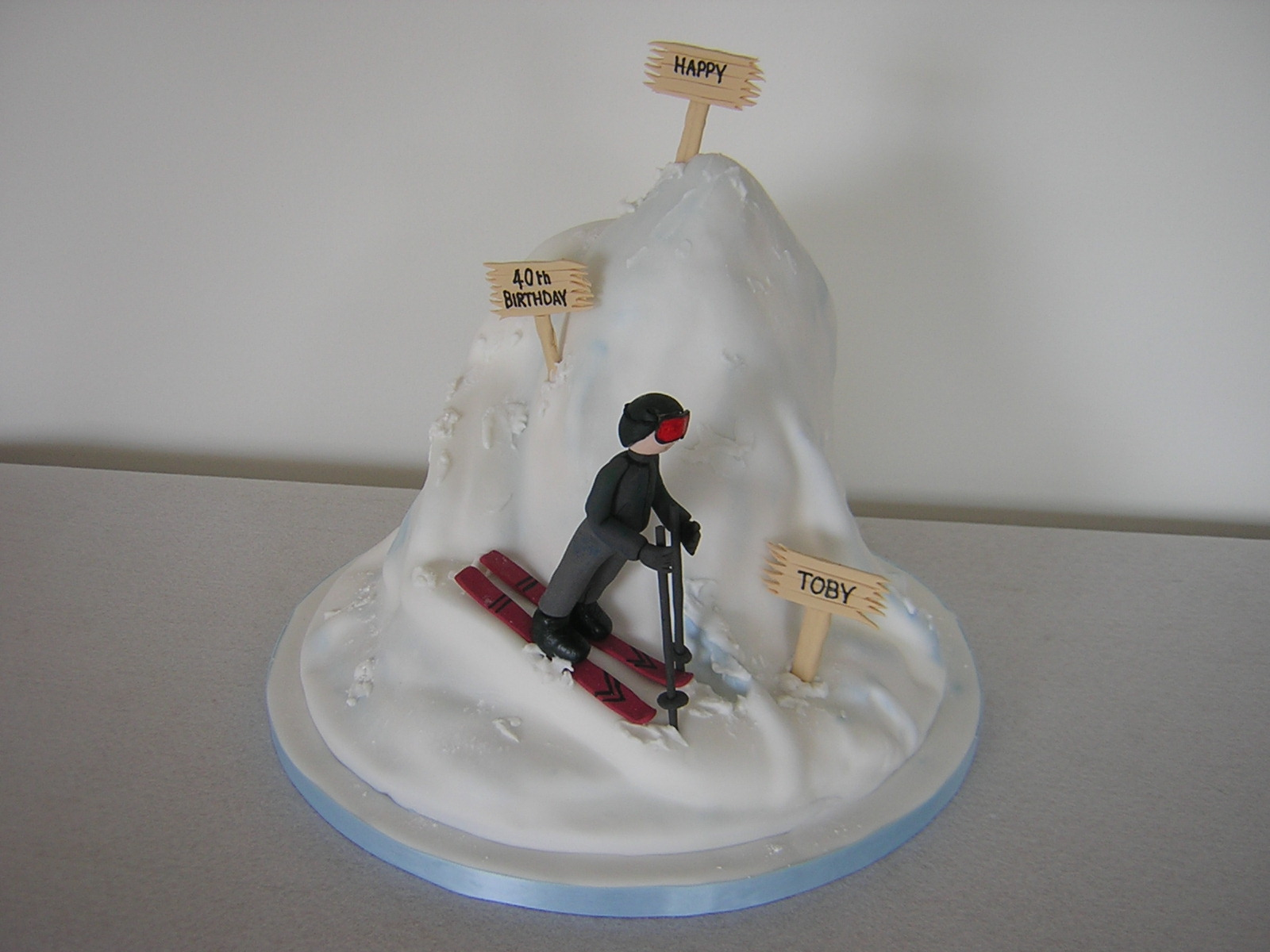 a creative essay on the topic of skiing at mt snow History of snowboarding get interesting snowboarding facts and find out just how far this sport has come in a short amount of time.