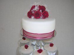 red-roses-topper