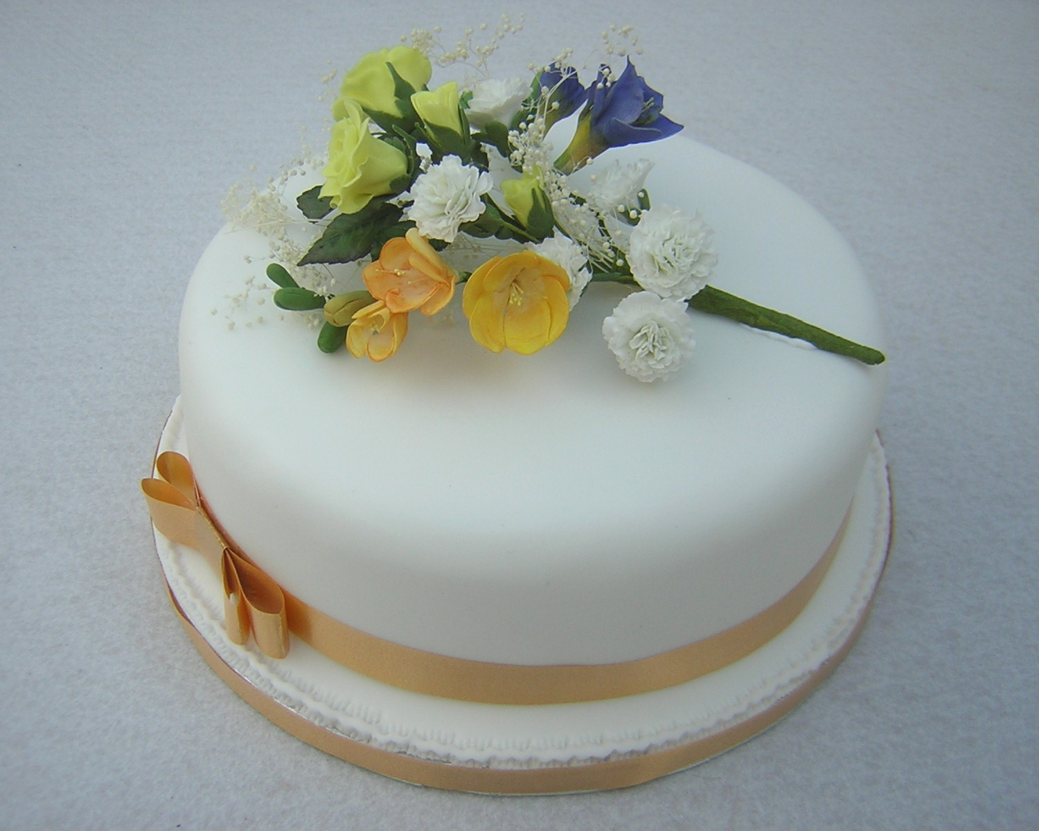julies-one-tier-wedding-cake