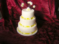 daisy-wedding-cake